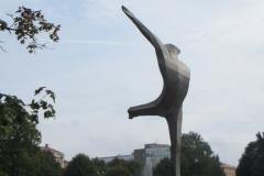 """Скульптура """"Танцор"""" в Центральном парке Риги"""