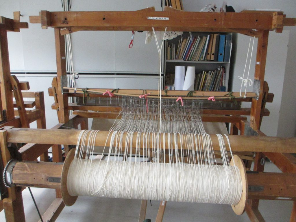 Loom in the workshop