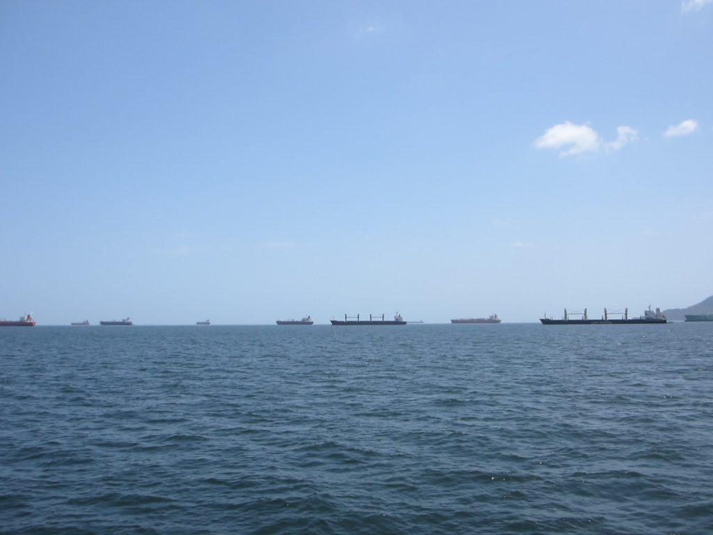 Очередь на прохождение Панамскго канала
