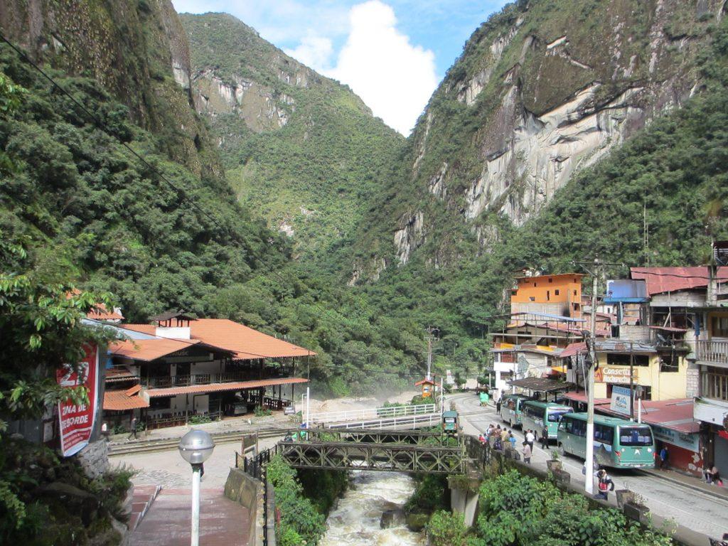 Агуас-Кальентес, ближайший поселок к Мачу-Пикчу