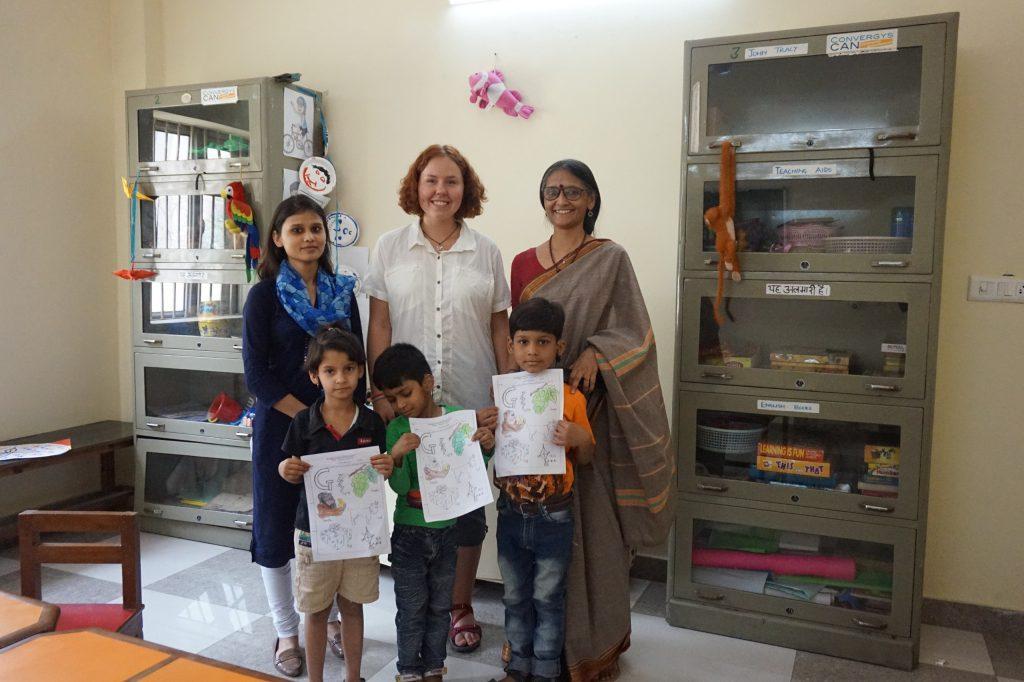 Общая фотография в конце посещения с учителями и учениками :)